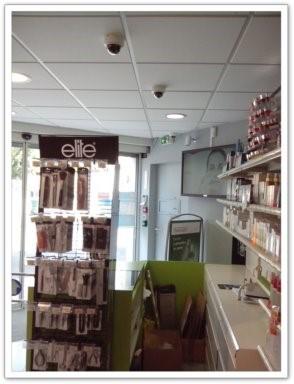Cámaras de circuito cerrado de televisión en una farmacia