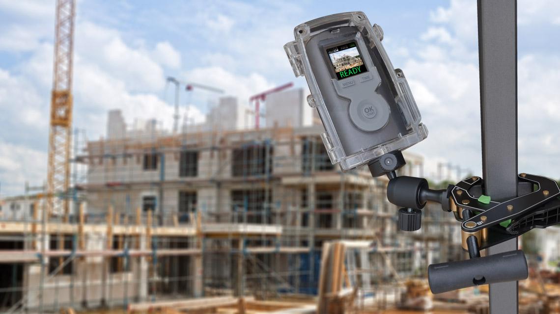 cámara que protege un sitio de construcción
